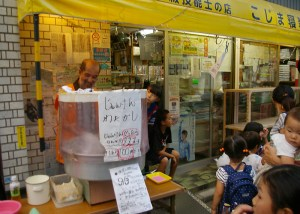 南日吉商店街の恒例「夜店」、10/1(土)に2016年シーズン最後の開催