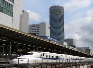 <新横浜の宿泊事情>13ホテルで2000室、ラブホも13施設500室、ネカフェは2つ