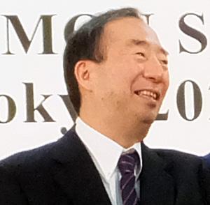 <慶應義塾>2009年から2期つとめた清家篤塾長が交代、5月から長谷山彰新塾長に