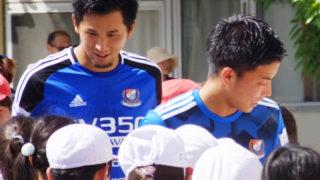 シーズン中でも地域貢献を貫く、F・マリノスが区内小学校へキャラバン訪問
