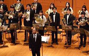 恒例の大合奏やクリスマス曲も、慶應ワグネル・ホルン演奏会は12/10(日)午後に